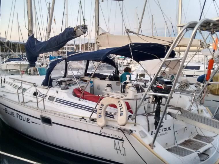 beneteau-oceanis-445-1-copia
